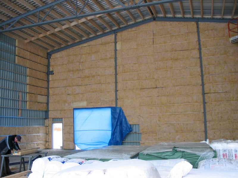 For The Steel Steel Buildings The Insulation Must Go On Before The Exterior  Cladding